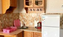 №15, двухкомнатный ,студия с мини кухней и микроволновой печью