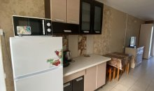 Семейный-люкс №17, Кирилловка, база отдыха «Гостиный двор»