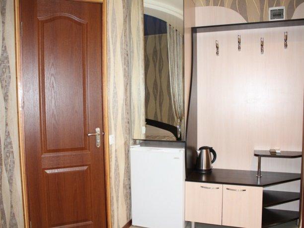 Люкс №8, гостевой дом «Гостевой Дом 170», Кирилловка. Фото 3