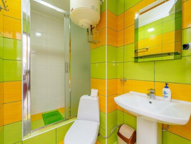 Люкс №1  VIP, гостевой дом «Гостевой Дом 170», Кирилловка. Фото 6