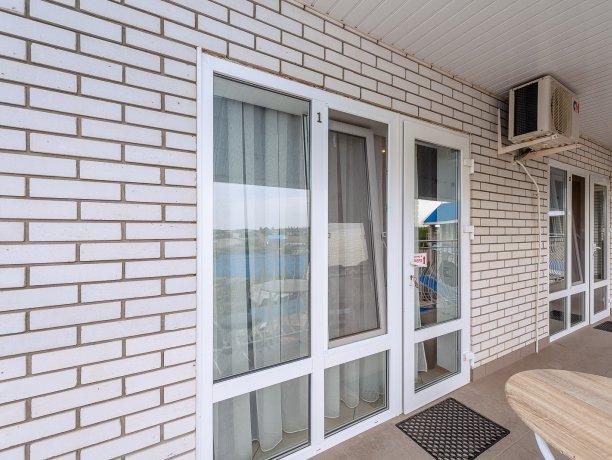 Люкс №1  VIP, гостевой дом «Гостевой Дом 170», Кирилловка. Фото 9