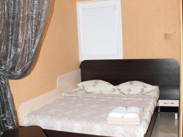 Люкс №2  VIP, гостевой дом «Гостевой Дом 170», Кирилловка. Фото 2