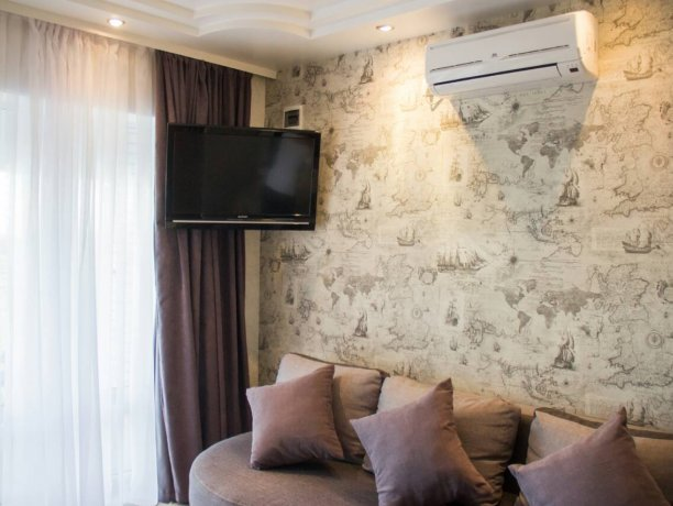 Люкс №3  VIP, гостевой дом «Гостевой Дом 170», Кирилловка. Фото 6