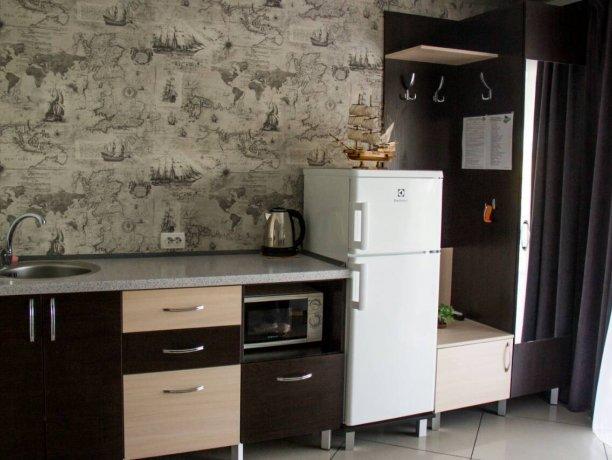 Люкс №3  VIP, гостевой дом «Гостевой Дом 170», Кирилловка. Фото 5