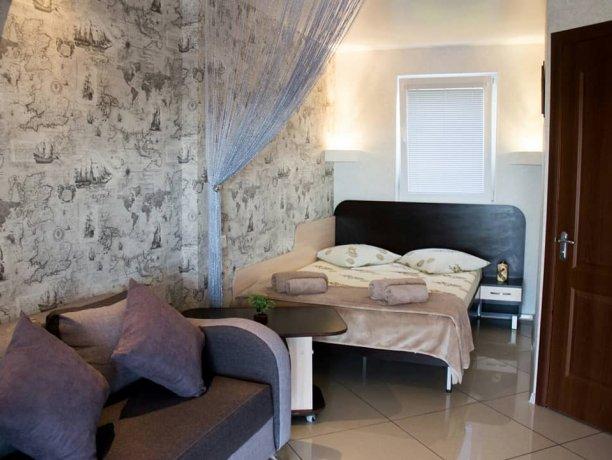 Люкс №3  VIP, гостевой дом «Гостевой Дом 170», Кирилловка. Фото 3