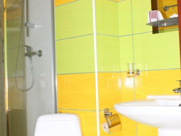Люкс №3  VIP, гостевой дом «Гостевой Дом 170», Кирилловка. Фото 7