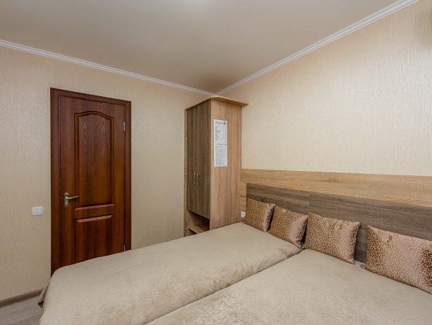 Люкс №2, гостевой дом «Гостевой Дом 170», Кирилловка. Фото 1