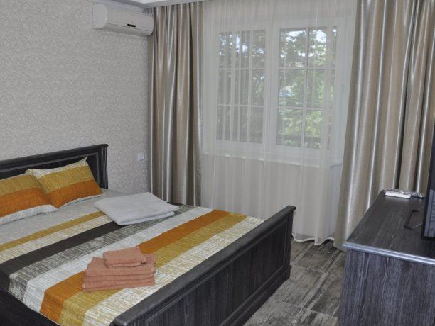 Апартаменты №12, база отдыха «Променад», Кирилловка. Фото 1