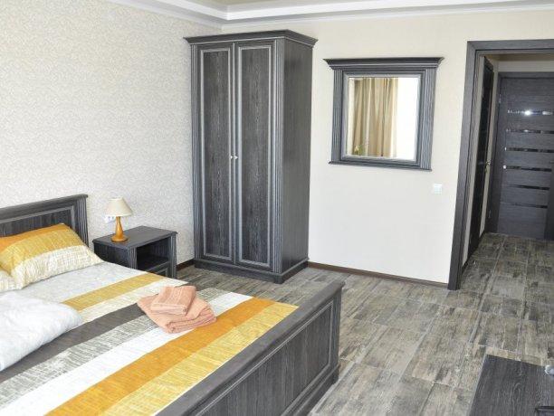Апартаменты №21, база отдыха «Променад», Кирилловка. Фото 1