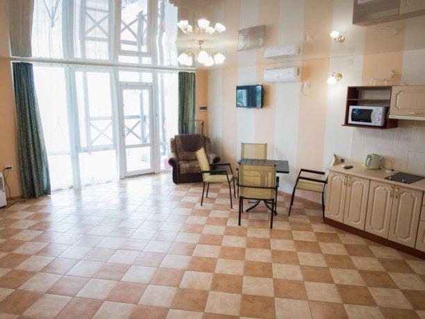 Апартаменты №1, база отдыха «ADMIRAL», Кирилловка. Фото 4
