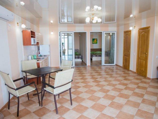 Апартаменты №1, база отдыха «ADMIRAL», Кирилловка. Фото 2