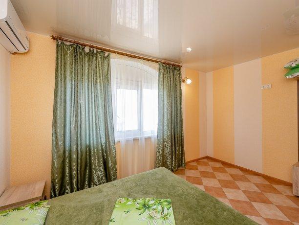 Апартаменты №3, база отдыха «ADMIRAL», Кирилловка. Фото 11