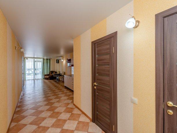 Апартаменты №3, база отдыха «ADMIRAL», Кирилловка. Фото 10
