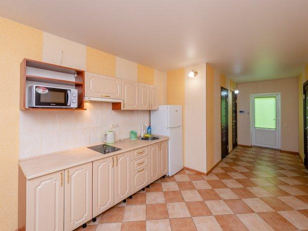 Апартаменты №3, база отдыха «ADMIRAL», Кирилловка. Фото 6