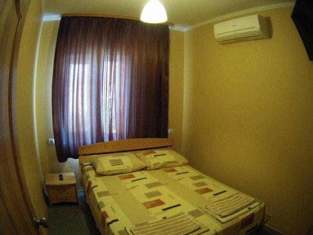 Люкс №65, база отдыха «Кипарис», Кирилловка. Фото 2
