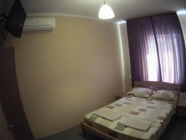 Люкс №68, база отдыха «Кипарис», Кирилловка. Фото 1