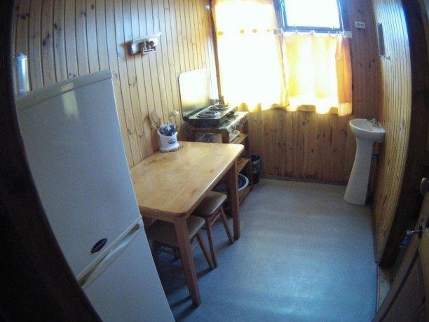 Стандарт №46, база отдыха «Кипарис», Кирилловка. Фото 1