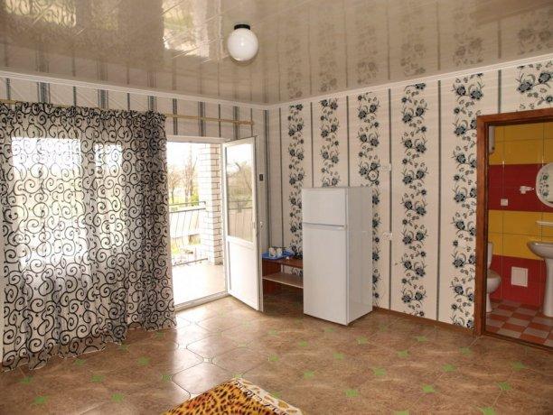 Люкс №7 (3 корп), гостевой дом «Афродита (Чаривна 30)», Кирилловка. Фото 1
