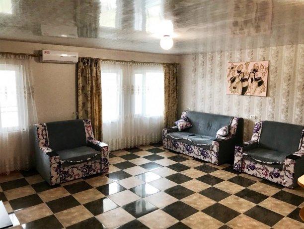 Люкс №15 (4 корп), гостевой дом «Афродита (Чаривна 30)», Кирилловка. Фото 1