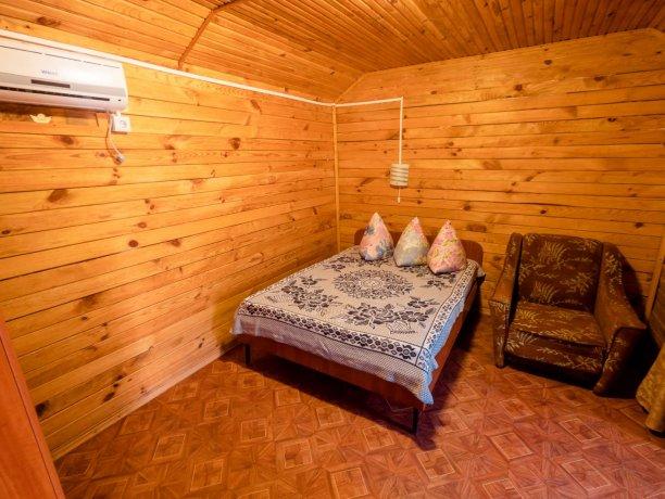 Коттедж №4, база отдыха «Солнышко», Кирилловка. Фото 3
