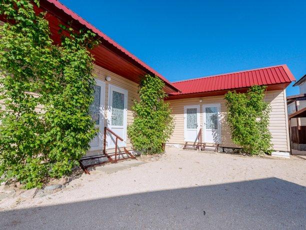Стандарт №18, гостевой комплекс «TROPICANKA», Кирилловка. Фото 1