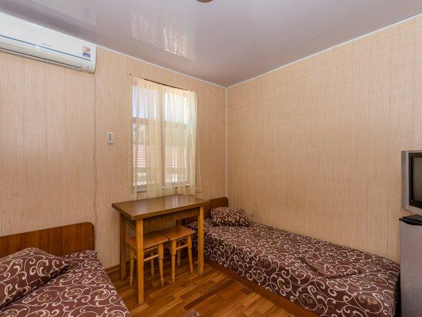 Эконом №1 (2 к.), гостевой комплекс «TROPICANKA», Кирилловка. Фото 6