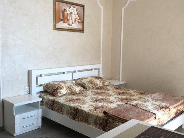 Люкс №4 (корп. 7), база отдыха «Мир», Кирилловка. Фото 4