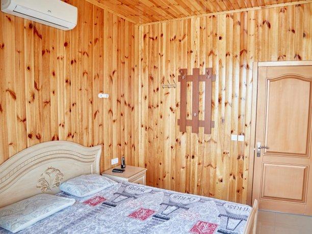 Апартаменты вид на море №60 (корп. 1), база отдыха «Автомобилист», Кирилловка. Фото 2