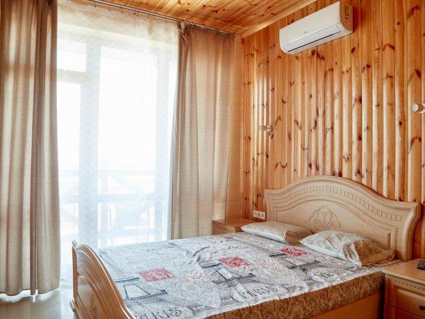 Апартаменты вид на море №61 (корп. 1), база отдыха «Автомобилист», Кирилловка. Фото 1
