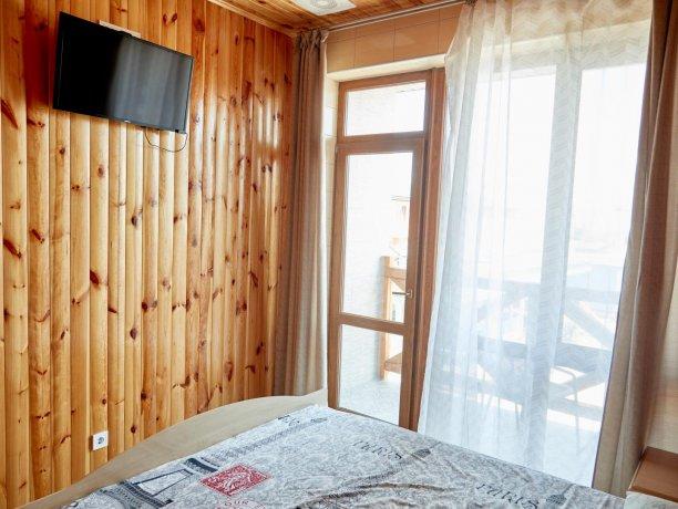 Апартаменты вид на море №62 (корп. 1), база отдыха «Автомобилист», Кирилловка. Фото 3