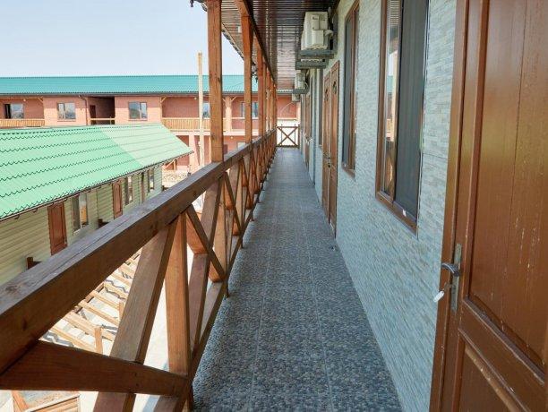 Апартаменты вид на море №62 (корп. 1), база отдыха «Автомобилист», Кирилловка. Фото 9