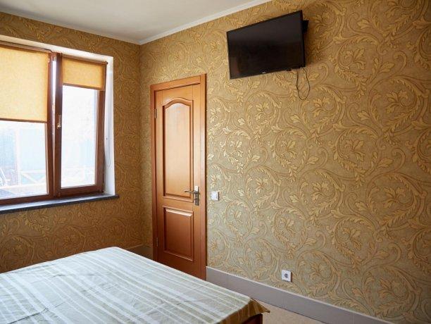 Апартаменты №34 (корп. 1), база отдыха «Автомобилист», Кирилловка. Фото 2