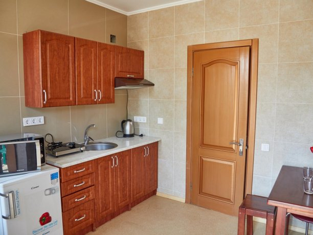 Апартаменты №35 (корп. 1), база отдыха «Автомобилист», Кирилловка. Фото 4