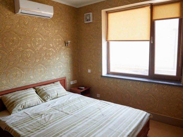 Апартаменты №35 (корп. 1), база отдыха «Автомобилист», Кирилловка. Фото 1