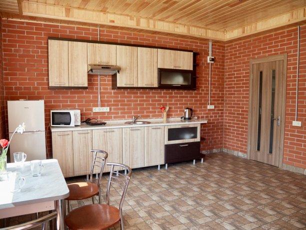 Семейный-люкс №69 (корп. 2), база отдыха «Автомобилист», Кирилловка. Фото 9