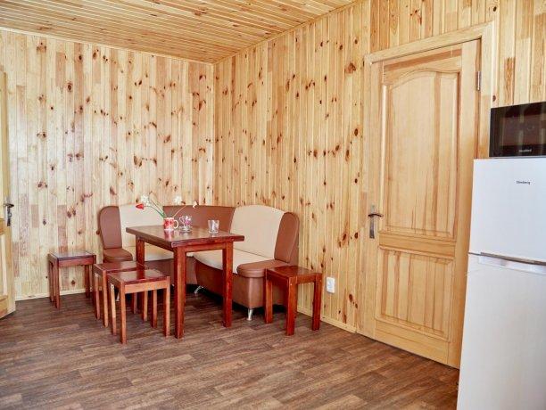 Апартаменты-студио №43 (корп. 3), база отдыха «Автомобилист», Кирилловка. Фото 8