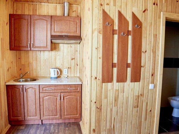 Апартаменты-студио №43 (корп. 3), база отдыха «Автомобилист», Кирилловка. Фото 9
