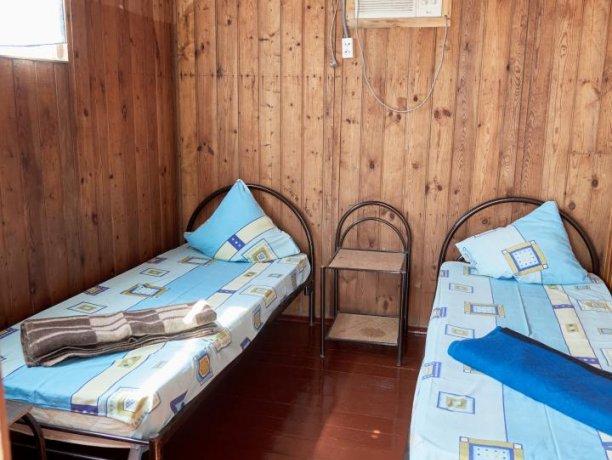 Стандарт + №10, база отдыха «Автомобилист», Кирилловка. Фото 2