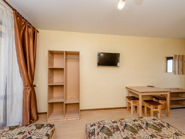 Люкс №14, гостевой дом «Агат», Кирилловка. Фото 2