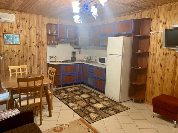 Коттедж №8, коттедж «Федотова Коса», Кирилловка. Фото 3