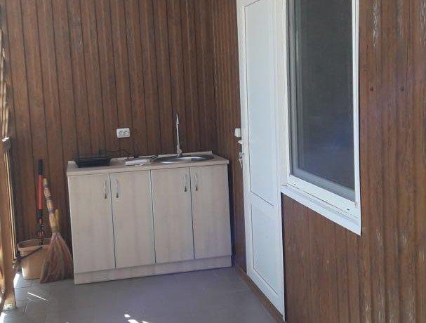 Люкс Люкс 3х местный с деревянной верандой, база отдыха «Азов Коралл», Кирилловка. Фото 6