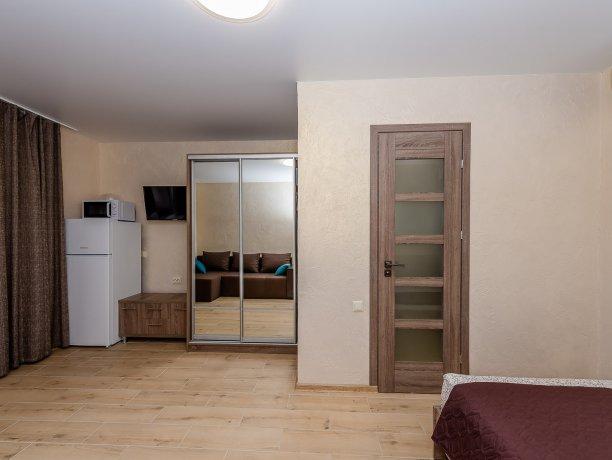 Deluxe №4 (1 к.), гостевой дом «Адамант», Кирилловка. Фото 2