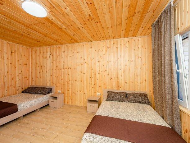 Люкс №10 (1 к.), гостевой дом «Адамант», Кирилловка. Фото 3