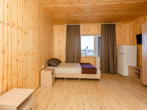 Люкс №10 (1 к.), гостевой дом «Адамант», Кирилловка. Фото 2