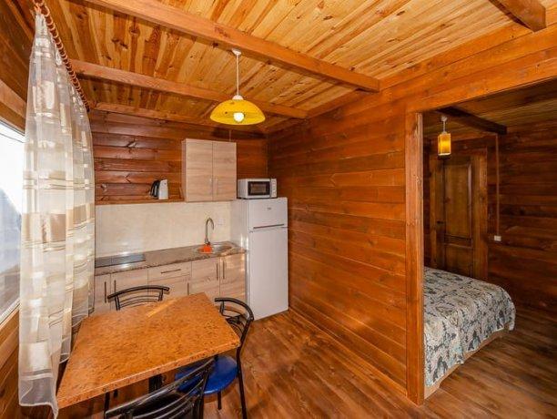 Люкс с кухней, №8, база отдыха «Нептун», Приморск. Фото 4