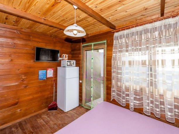 Люкс без кухни, №7, база отдыха «Нептун», Приморск. Фото 2