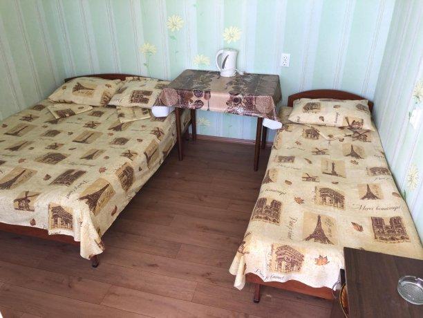 Стандарт №3 (3 м.), база отдыха «Гостиный двор», Кирилловка. Фото 2