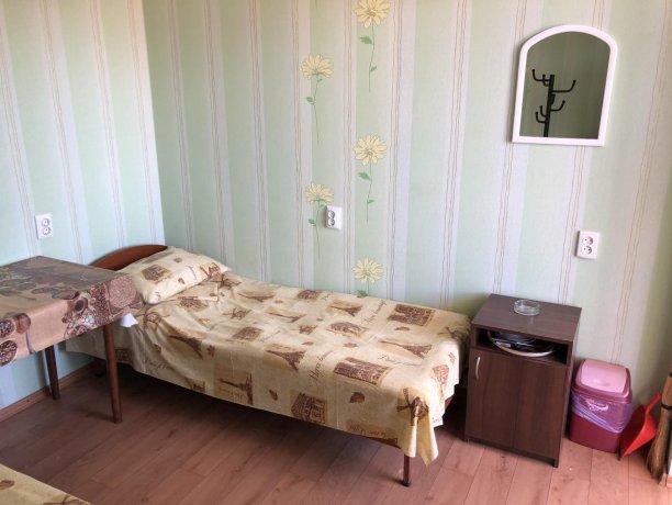Стандарт №3 (3 м.), база отдыха «Гостиный двор», Кирилловка. Фото 3