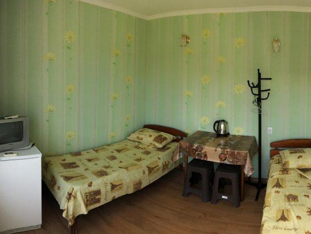 Стандарт №5 (2 м.), база отдыха «Гостиный двор», Кирилловка. Фото 1