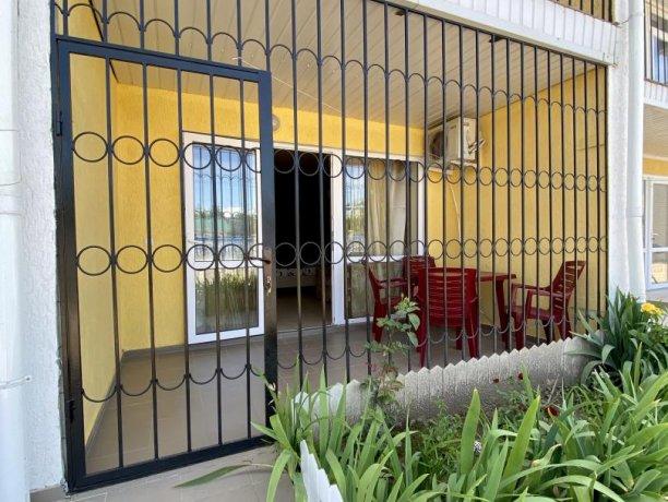 Семейный-люкс №36, база отдыха «Гостиный двор», Кирилловка. Фото 10
